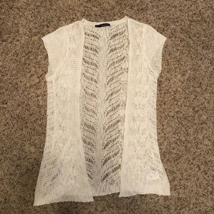 Maurices Cream Sleeveless Cardigan Size 0